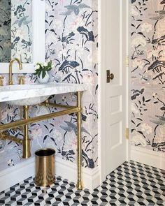 Bathroom Rugs For Functional Decor – Home Decor Do It Yourself Bathroom Wallpaper Trends, Powder Room Wallpaper, Of Wallpaper, Graphic Wallpaper, Bathroom Colors, Bathroom Sets, Home Luxury, Shophouse, Amazing Bathrooms