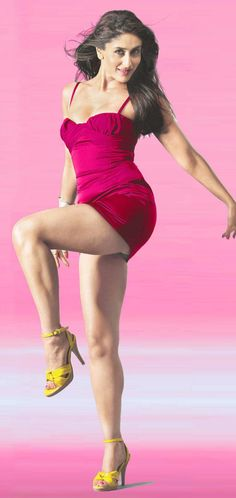 Indian Bollywood Actress, Beautiful Bollywood Actress, Beautiful Indian Actress, Beautiful Actresses, Beautiful Women, Hot Actresses, Indian Actresses, Karena Kapoor, Cute Girl Photo