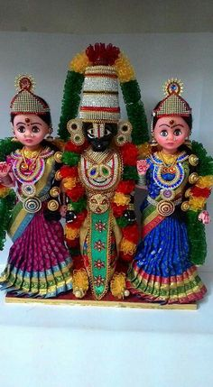 Indian DOlls... Thali Decoration Ideas, Chocolate Crafts, Barbie Bridal, Homemade Dolls, Wedding Doll, Indian Dolls, Cute Baby Dolls, Krishna Art, Indian Festivals