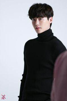Lee Jong Suk, Jung Suk, Lee Jung, Jung Yong Hwa, Jimin Jungkook, Asian Actors, Korean Actors, Asian Celebrities, Young Male Model