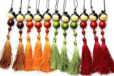 Pour peupler sa maison de bienveillance à retrouver sur l'e-shop: http://www.lespoisplumes.fr/Decoration-et-Accessoires/Tassel