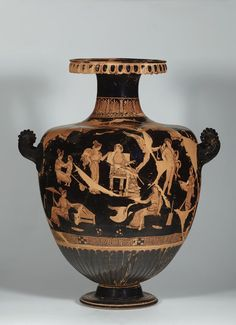 Funerary Vessel, South Italian, from Apulia, about 350 B.C., terracotta red-figured hydria attributed to the Chamay Painter. Image © Staatliche Museen zu Berlin, Antikensammlung. Photo: Johannes Laurentius.