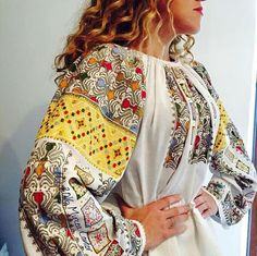 Popular Folk Embroidery Vintage traditional Romanian blouse (IIE) via Mircea Cantor Folk Embroidery, Embroidery Patterns Free, Hand Embroidery Designs, Sewing Patterns, Folk Fashion, Ethnic Fashion, Vintage Fashion, Womens Fashion, Folk Costume