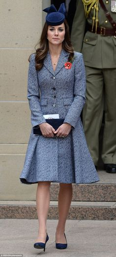 Kate first wore the coat at the ANZAC Day March and Commemorative Service at the Australian War Memorial in Canberra during the royal tour of Australia