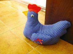 Diário de algodão: Minha linda galinha de tecido peso de porta