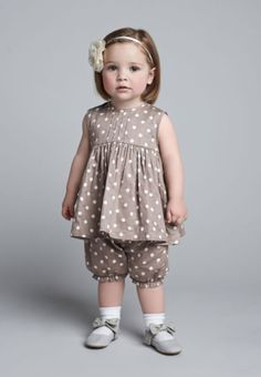 Baby Girl Dress Design, Girls Frock Design, Kids Frocks Design, Baby Frocks Designs, Fashion Kids, Baby Girl Fashion, Home Fashion, Classy Fashion, Party Fashion
