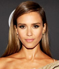 Jessica Alba's make-up is always flawless and this is no exception.