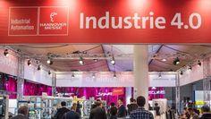 Hannover Messe Die vernetzte Produktion ist da Immer mehr Roboter arbeiten mit in den intelligenten Fabriken der Zukunft. Wir, die Beschäftigten, müssen davor keine Angst haben. 13.04.2015, von GEORG GIERSBERG  Evolutionssprung: Dampfkraft, Fließband, Elektronik - und jetzt kommt die Industrie 4.0