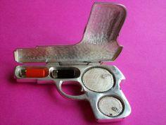 Scarce WB Mfg Co Antique Pistol Compact Beauty Box Art Deco Figural Makeup Case
