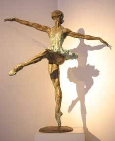 """Italian artist Vittorio Tessaro was born in Caldogno, Vicenza. After graduating from art school in Valdagno (Vicenza), he has developed an idea of sculpture """"felt"""" free and without royalties, allowing it always to express his skills in the pure sense and instinctive."""