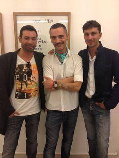 Toni Delgado, CEO de MOS, junto a David Delfín y Pablo Lecroisay en la Fresh Gallery