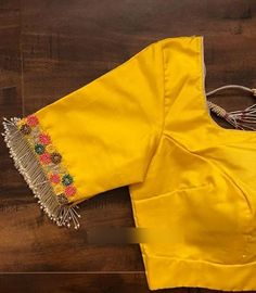 Blouse Back Neck Designs, Hand Work Blouse Design, Fancy Blouse Designs, Designs For Dresses, Saree Blouse Designs, Salwar Designs, Fashion Blouses, Women's Fashion, Hand Embroidery
