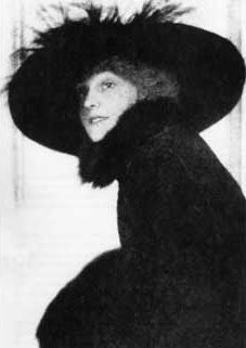 "The Lost Generation in 1920s Paris: Linda Porter, socialite, married to Cole Porter. ""Sarah & Gerald,"" a novel of Paris in the 1920s, by Christopher Geoffrey McPherson."