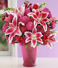 pink lillies  flowers  centerpiece