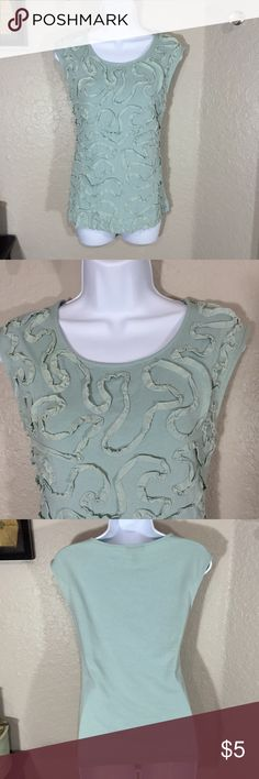 Spense Sleeveless Green Ribbon Top Size Small 💚 Good pre-loved condition. 55% cotton, 40% modal and 5% spandex. Tiny little hole under the arm and small amount of pilling. Spense Tops Tank Tops