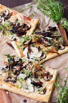 Blätterteig-Tarte mit Champignons, Ziegenkäse und karamellisierter Zwiebel Rezept7