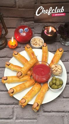 Comida De Halloween Ideas, Easy Halloween Snacks, Hallowen Food, Halloween Appetizers, Halloween Desserts, Holiday Appetizers, Halloween Food For Party, Halloween Fruit, Tasty Videos