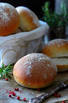 Kakkuviikarin vispailuja!: Helpot vehnäsämpylät Hamburger, Bread, Food, Eten, Hamburgers, Bakeries, Meals, Breads, Loose Meat Sandwiches