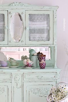 Shabby Chic Schrank, Buffetschrank in mint