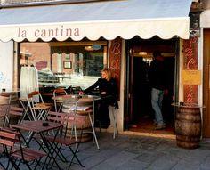 Checetti at La Cantina Venice Venice, Places To Go, Italy, Outdoor Decor, Restaurant Ideas, Home Decor, Travel, Holidays, Lifestyle