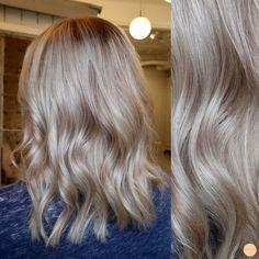 Sval blond med mjuka slingor i beigeblond // Cool blonde with soft high- and lowlights