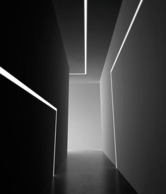 NOLITA FLUO - Designer Wall lights from Panzeri ✓ all information ✓ high-resolution images ✓ CADs ✓ catalogues ✓ contact information ✓. Lighting Concepts, Linear Lighting, Bar Lighting, Interior Lighting, Lighting Design, Recessed Wall Lights, Extruded Aluminum, Projection Installation, Arquitetura