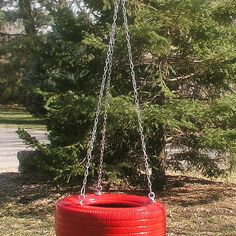 How to Hang a Tire Swing. A tire swing is a simple, inexpensive, old-fashioned addition to the kids play area that even adults can enjoy. You will of course need a tree or appropriate support to hang your tire swing from. Backyard Toys, Backyard Trampoline, Backyard Landscaping, Backyard Ideas, Garden Ideas, Diy Tire Swing, Tire Swings, Cool Diy Projects, Outdoor Projects