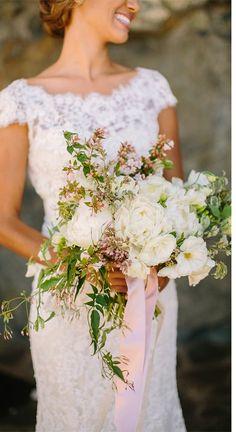 #bouquet sweet Santa Margarita Ranch wedding by http://www.daniellecapitophotography.com | Allure Bridals blog