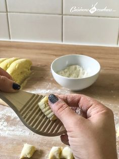 Faire ses gnocchi maison : un jeu d'enfants ! - Cuisinons En Couleurs - Expolore the best and the special ideas about Budget cooking Cooking On A Budget, Budget Meals, Gnocchi Sauce, Gnocchi Recipes, Batch Cooking, Pasta, Diet And Nutrition, Easy Meals, Yummy Food