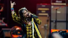 Aerosmith rocker urges end to confinement of livestock