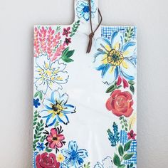 How to make a DIY Anthropologie-Inspired Sissinghurst Castle Cheese Board with a few supplies from the home improvement and craft store. Pottery Painting Designs, Hanging Letters, Drop Cloth Curtains, Diy Craft Projects, Craft Ideas, Cool Diy, Easy Diy, Craft Stores, Diy Gifts
