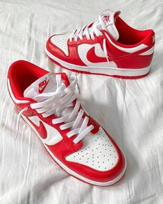 Dream Shoes, Crazy Shoes, Me Too Shoes, Jordan Outfits, Nike Outfits, Sneakers Fashion, Fashion Shoes, Shoes Sneakers, Nike Dunks