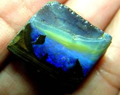 SLICED BOULDER OPAL 21 CTS. Looks like an under the sea view.