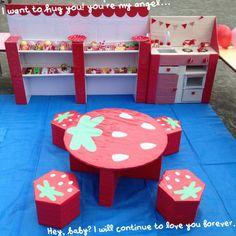 ダンボールで子供のテーブル   あんふぁんWeb Recycled Crafts, Diy And Crafts, Crafts For Kids, Doll Patterns Free, Play To Learn, Diy For Girls, Doll Furniture, Diy Toys, Kids And Parenting