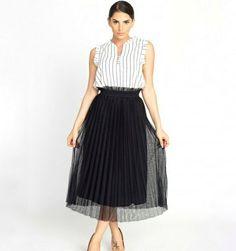 Falda de tul plisada Midi Skirt, Skirts, Fashion, Tulle, Moda, Midi Skirts, Fashion Styles, Skirt