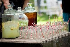 Outdoor wedding with cool refreshing drinks ~ plus the signature mason jars and straws ~ love it! Photography by laurenbphoto.com