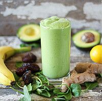 Creamy Ginger Green Smoothie // 2 handfuls organic spinach 1 cup filtered water ½ avocado 1 medium banana 1 tablespoon tahini 2 dates, pitted 1 tablespoon fresh ginger root, chopped (adjust to your taste) juice of 1 meyer lemon Vegan Smoothies, Green Smoothie Recipes, Smoothie Drinks, Fruit Smoothies, Smoothie Cleanse, Juice Smoothie, Healthy Drinks, Healthy Snacks, Healthy Recipes