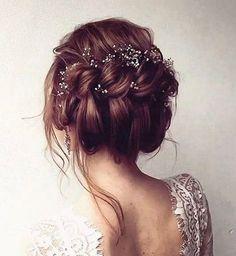 "267 likerklikk, 4 kommentarer – Gevir (@gevir) på Instagram: ""Wedding inspiration - @martinehair_makeup #weddinginspo #weddinghairstyle #gevirloves"""