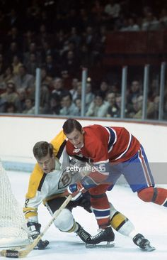 Boston Bruins Bobby Orr in action vs Montreal Canadiens Ralph. Hockey Teams, Hockey Players, Ice Hockey, Hockey Pictures, Sports Pictures, Phil Esposito, Sport Room, Maple Leafs Hockey, Bobby Orr