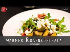 Gerösteter Rosenkohlsalat mit Rucola und Kürbiskernen Low Carb Rezept