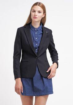 Schicker #Blazer von MISON SCOTCH. Er peppt jedes #Outfit gekonnt auf und ist ein idealer Begleiter fürs #Büro. ♥ ab 169,95€