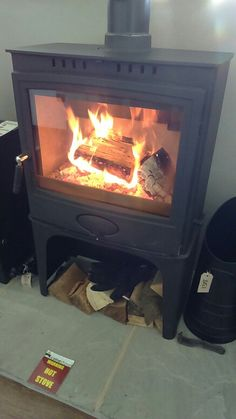 http://www.colnestoves.com Official dealer for Arrow Ecoburn 11 on logstore stand. Superb airwash an 11kW. Visit our showroom with ample free parking. http://www.aradastoves.com/where-to-buy