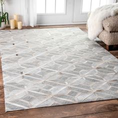 Shop for nuLOOM Grey Handmade Modern Overlapping Geometric Leather/ Viscose Area Rug. Get free delivery On EVERYTHING* Overstock - Your Online Home Decor Store! Get in rewards with Club O! Living Room Carpet, Rugs In Living Room, Dining Rooms, Living Spaces, Amazon Area Rugs, Best Carpet, Modern Area Rugs, Geometric Rug, Cow Hide Rug