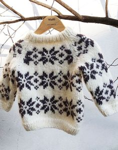 Diy Knitting Projects, Kids Knitting Patterns, Knitting For Kids, Knitting Designs, Knit Baby Sweaters, Toddler Sweater, Baby Suit, Baby Cardigan, Unisex Fashion