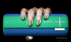 MANICURE MUSE: Versace Pre-Fall '15 - Miss Ladyfinger