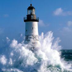 Le phare d'Ar-Men - Finistère - Bretagne  by Guillaume Plisson