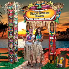 Have some tropical fun at your Hawaiian theme party! Create a stunning entrance with Hawaiian tiki decorations.