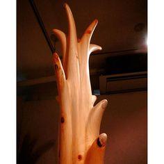【muccolino】さんのInstagramをピンしています。 《#art #sculpture #wood #feel  #vital #vertical #life #water #power #forest #perception #gallery #osaka #japan #アート #彫刻 #木彫 #高野槙 #水  #樹 #森 #生命力 #エネルギー #聲 #重力 #垂直 #ギャラリー #大阪》