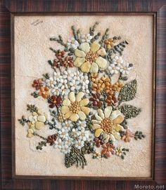 Seeds make up beautiful floral design. Pebble Mosaic, Pebble Art, Mosaic Art, Stone Crafts, Rock Crafts, Pebble Painting, Stone Painting, Seed Art, Rock Flowers
