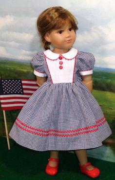 Marine & blanc robe s'adapte à Slim 18 pouces poupées comme Kidz N Cats                                                                                                                                                                                 Plus